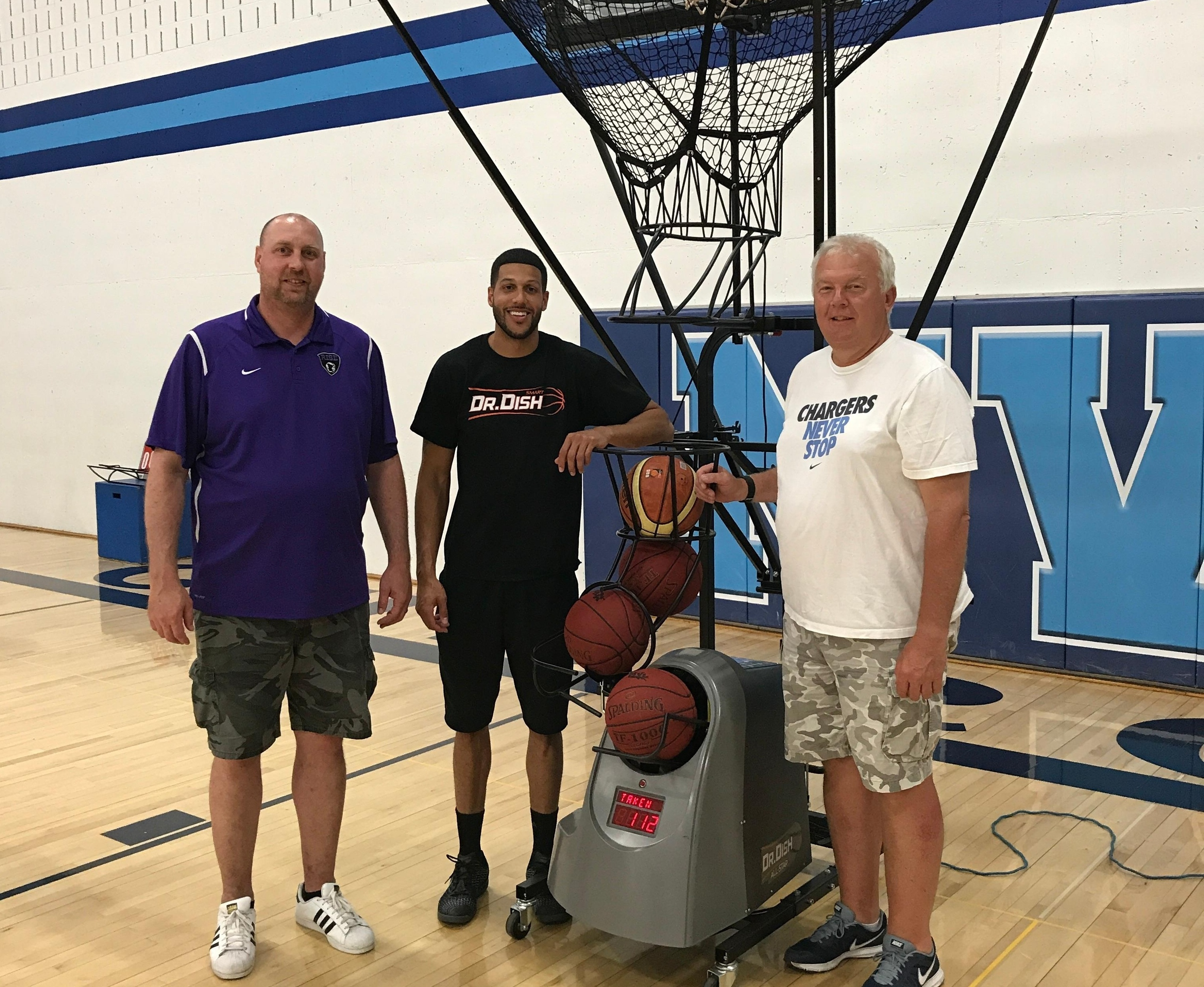 Coach Mason Hosts Dr. Dish Clinic For Local High School