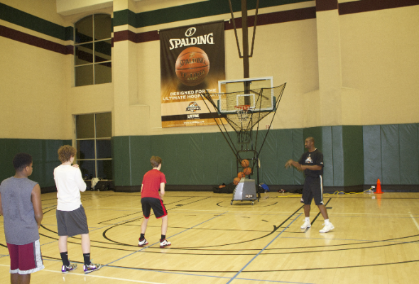 4 Signs You Need a Basketball Shooting Machine